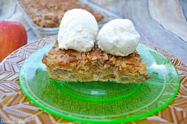 apple-spice-dump-cake-recipe-with-ice-cream