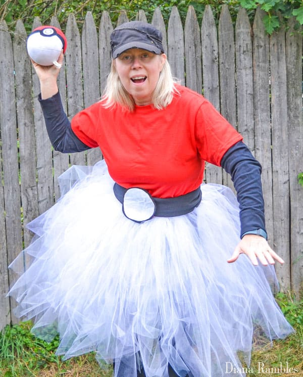 pokemon-go-ball-tutu-halloween-costume