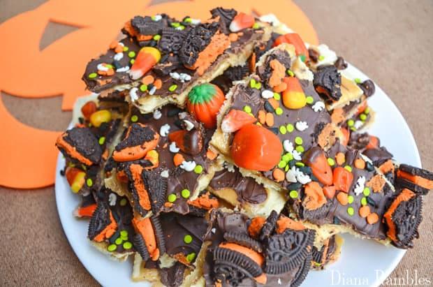 halloween-candy-bark-recipe