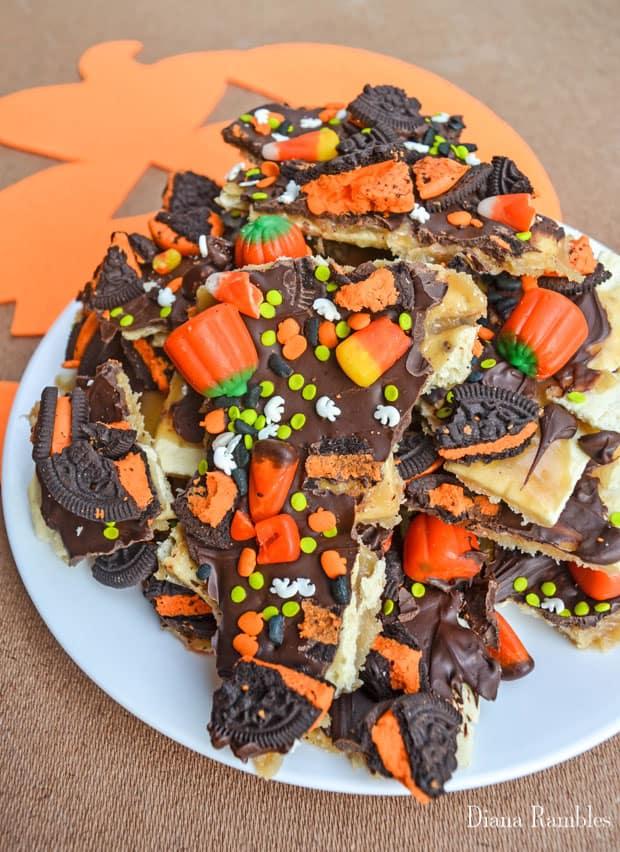 halloween-candy-bark