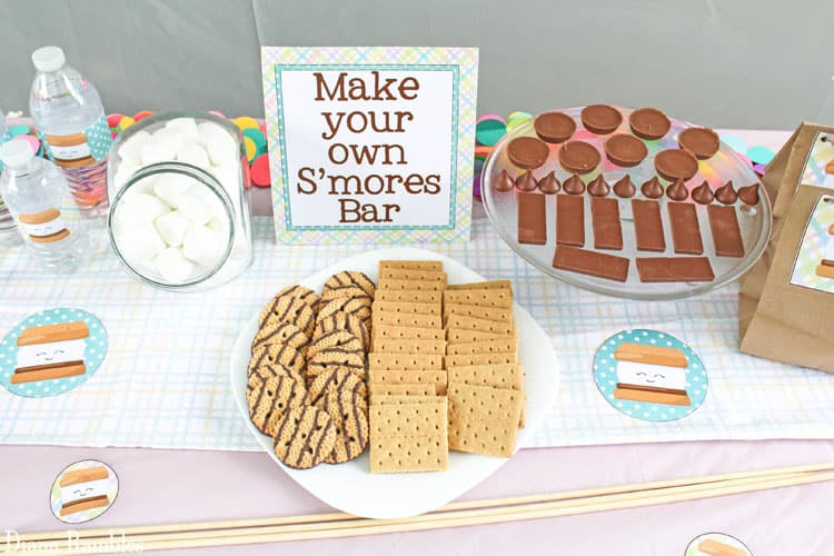 Throw a backyard party with these smores themed free printables solutioingenieria Image collections