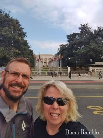 Couple posing in front of the UN in Geneva