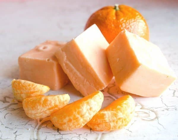 Easy Orange Microwave Fudge Recipe - Create this easy Orange Microwave Fudge in minutes. Just five simple ingredients to create an amazing melt in your mouth treat.
