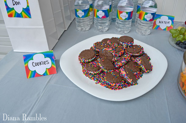 plate of Thin Mint Sandwich Cookies
